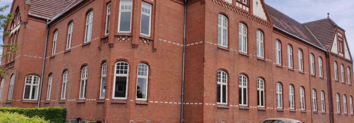 Her er Voxeværkets kontorhotel i Aabenraa. Nu kan du få dit kontor midt i centrum, hvor du har kort til alt og mødelokaler med i huslejen.
