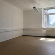 Lukket kontor med plads til 3 personer