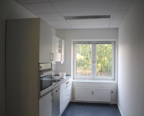 Lille tekøkken der er tilknyttet kontorerne på 1.sal